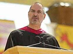 Steve Jobs discursando em Stanford