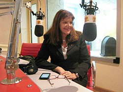 Dra. Olga Tessari participando de programa na Rádio Transamérica