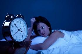 Insônia e pensamentos acelerados nem sempre são sintomas de síndrome de ansiedade.