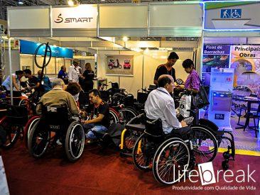 Diversas opções e recursos para cadeiras de rodas